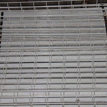 "48"" x 46"" Used Wire Deck - Standard Full Step - White"